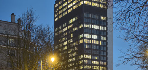 IT Tower: nuit